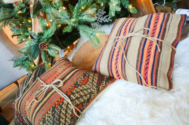 killim christmas pillows