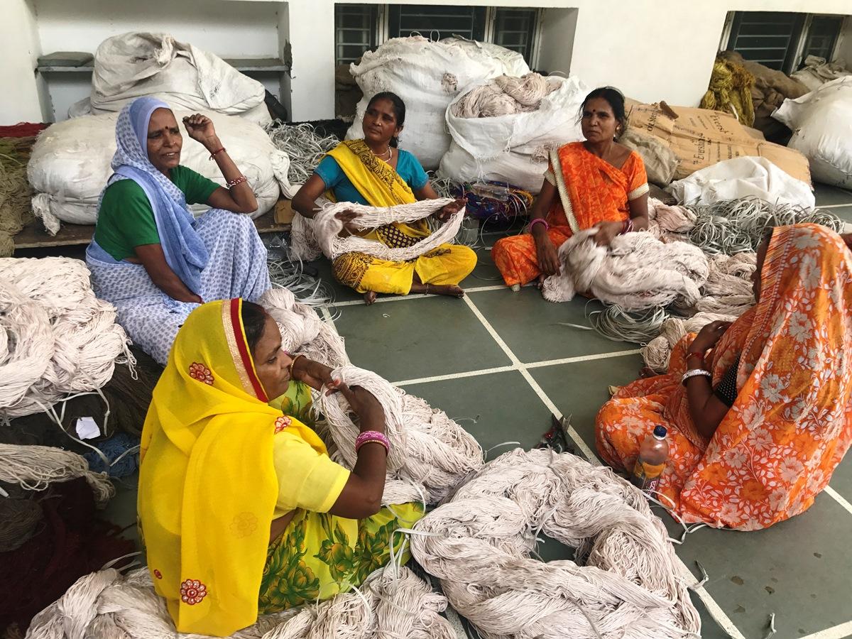 sari craftswomen