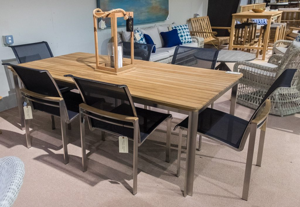 Tivoli Collection dining set
