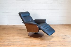 Motorized Leather Chair with leg rest