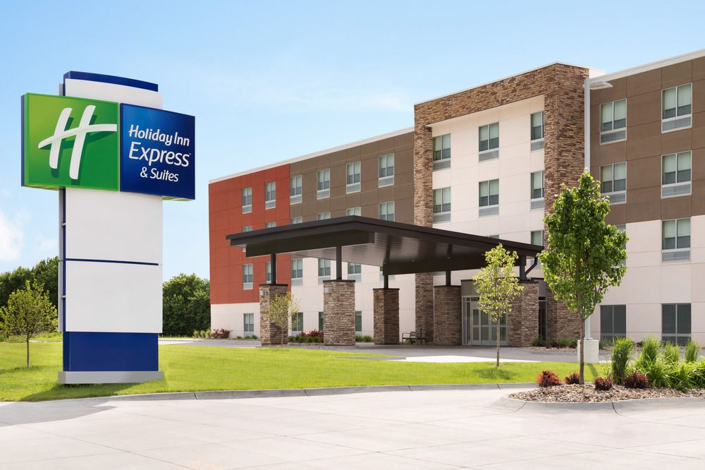 Holiday Inn Express – Farmville