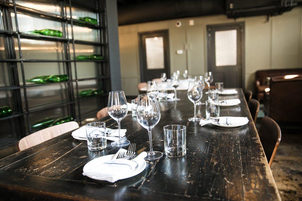 Van Thiel dining table