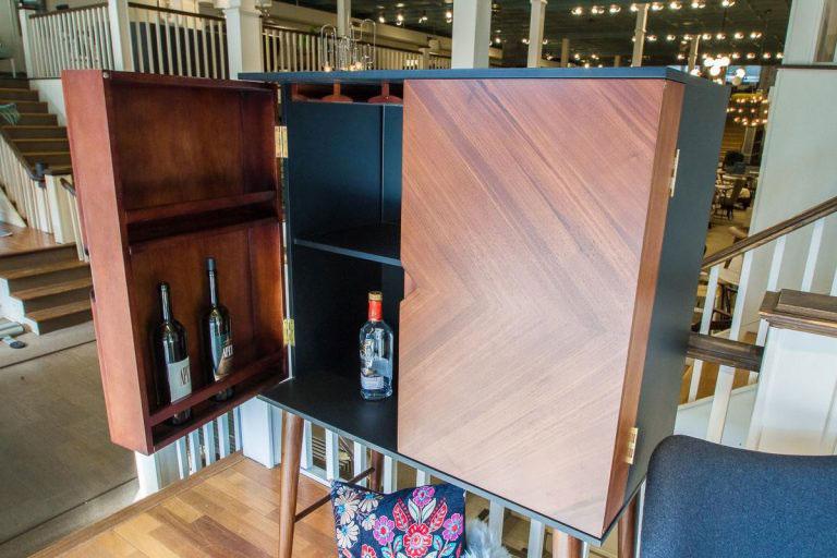 nuevo-bar-cabinet